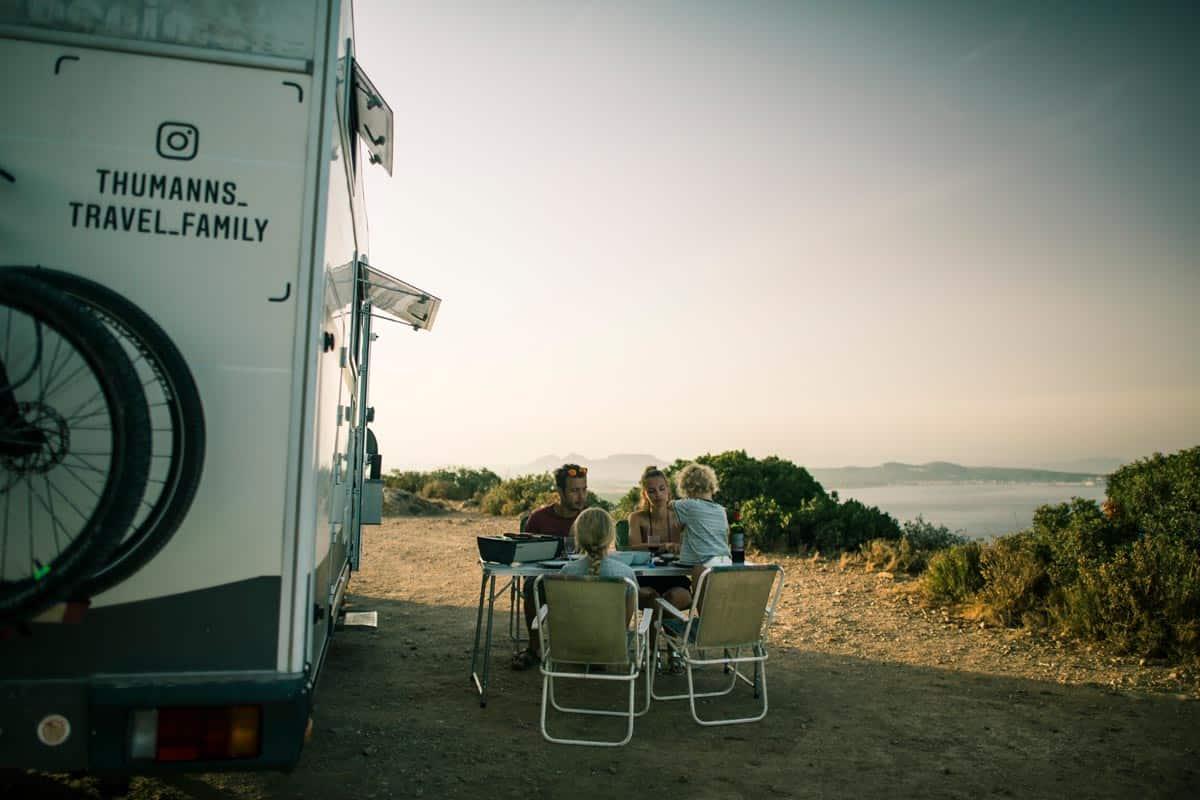 Thumanns-Spanien-Frühstück-am-Meer